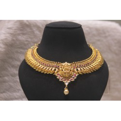 Lakshmi kundan necklace